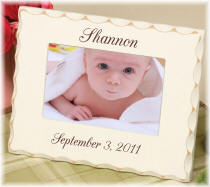 Personalized 4x6 Scalloped Edge Baby Frame